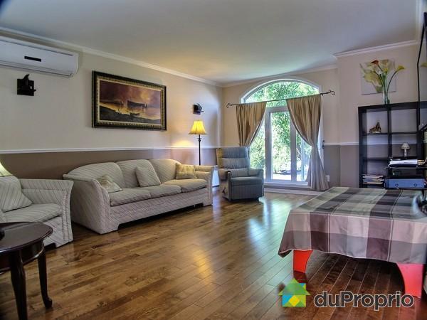 maison doit vendre rapidement immobilier propri t s vendre. Black Bedroom Furniture Sets. Home Design Ideas